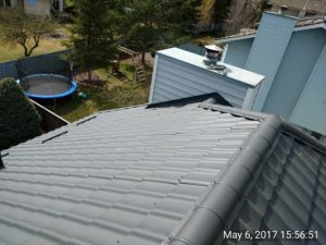 Complex roof with gray tiles6